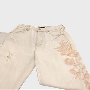 Kendall And Kylie embroidered jeans 23